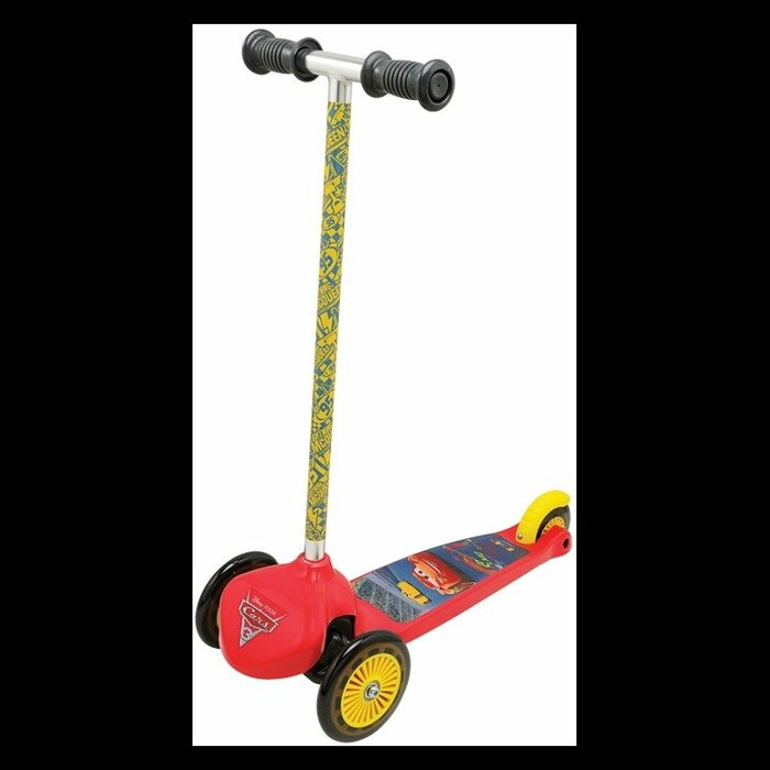 Cars 3- twist scooter
